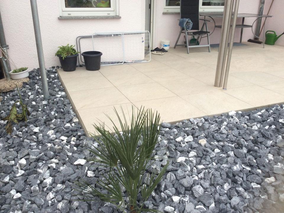 Gartenneubau, Terrasse, Steingarten aus schweizer Kalksteinbruch eingebaut in Heilbronn-Neckargartach - Gartenparadies E. + L. Schmalz GbR