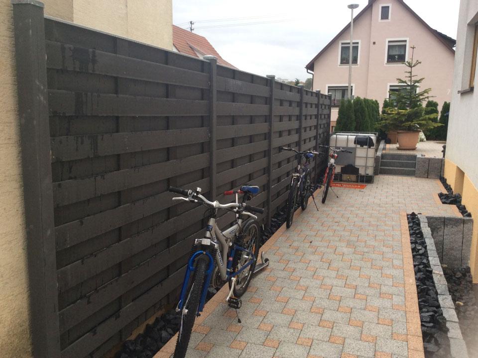 Sichtschutzelemente aus WPC eingebaut in Heilbronn-Biberach - Gartenparadies E. + L. Schmalz GbR